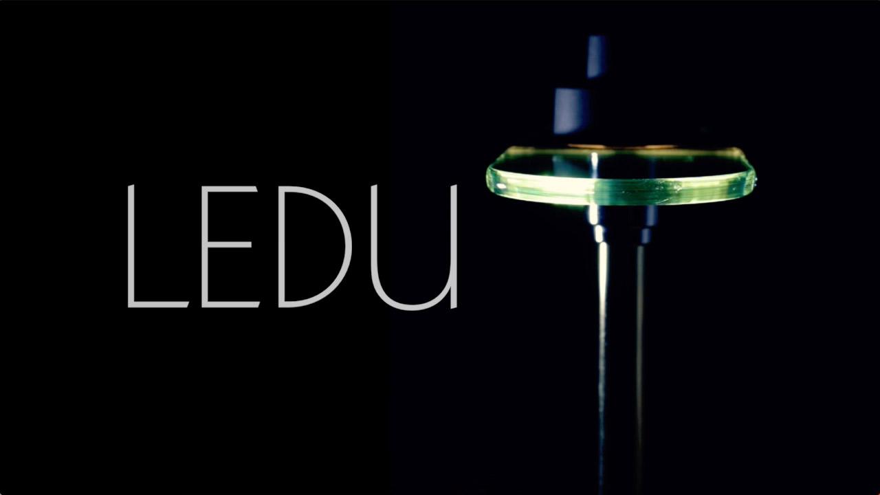 Product video for halogen desk lamp