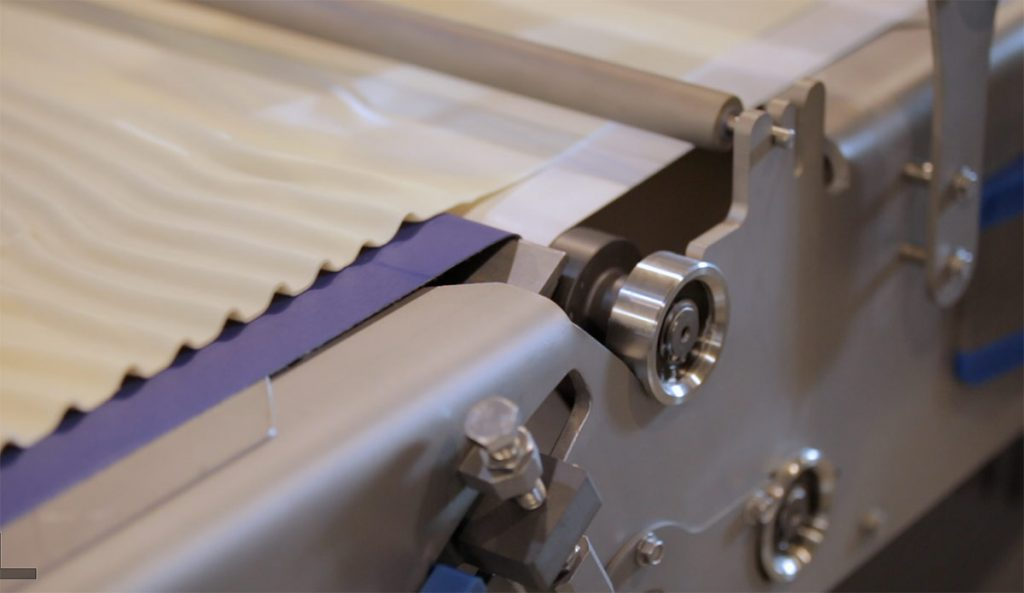 Video of pastry machine